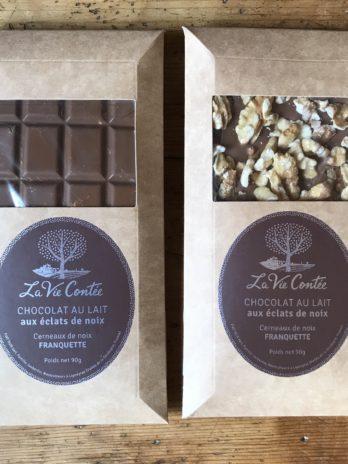 Tablette de chocolat au lait et caramel et noix Franquette