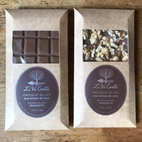 Tablette de chocolat au lait et caramel et noix Franquette - La Vie Contée