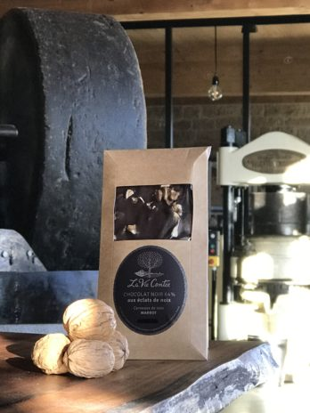Tablette de chocolat noir aux éclats de noix Marbot – 90g